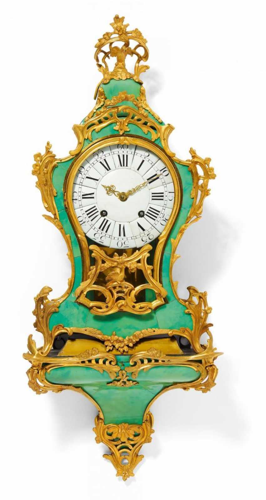 Pendulum clock on console Louis XV - photo 1