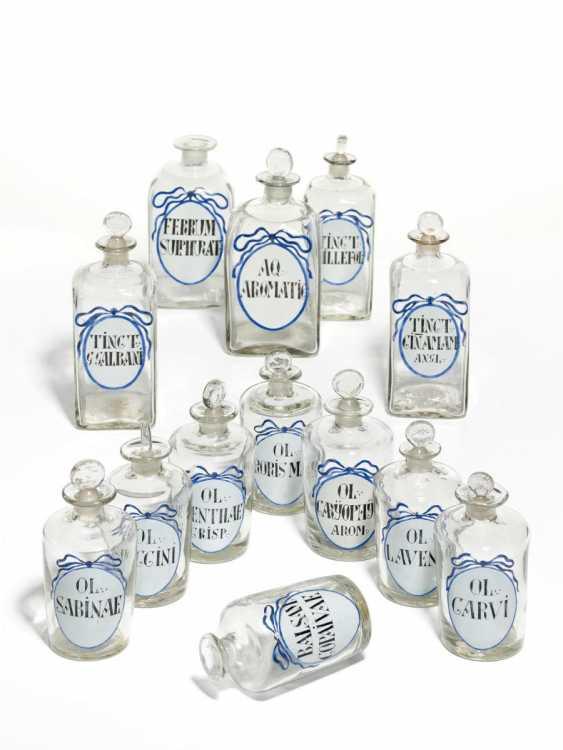 25 pharmacy bottles with blue ribbon - photo 1