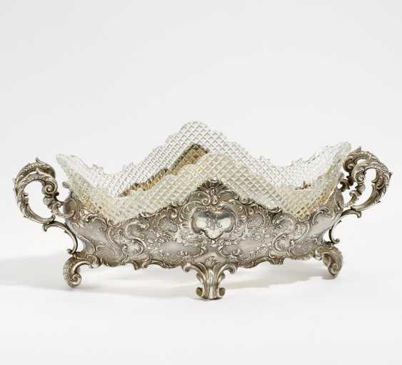 Oval Jardiniere with a rocaille decor - photo 1