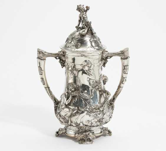 Large double handle Cup with cheerful Bacchanal - photo 2