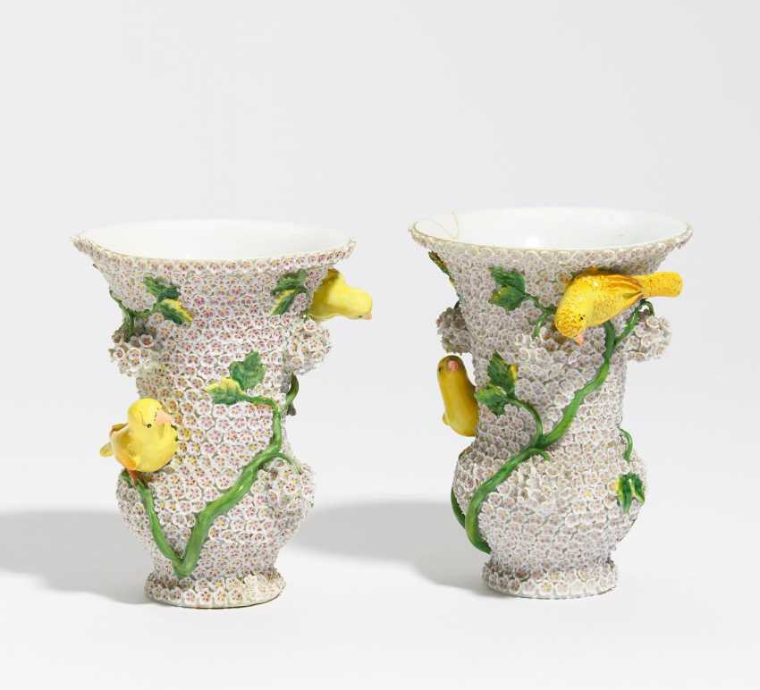 Couple of small snow ball vases - photo 1