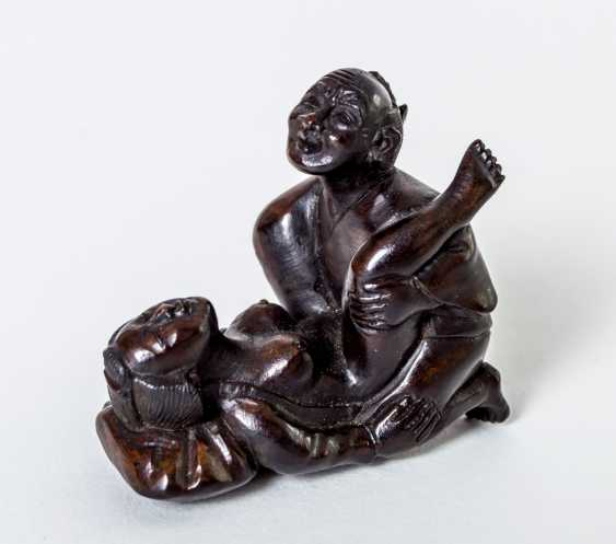 Netsuke with erotic scene - photo 1