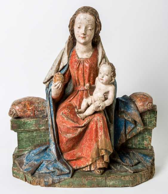 Significant enthroned Madonna with child Jesus - photo 1