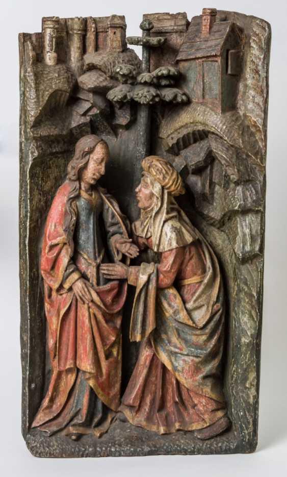 Ausdrucksstarkes Relief der Heimsuchung Mariens - Foto 1