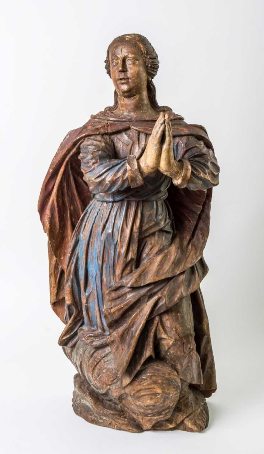 Very large figure of a praying Mary - photo 1