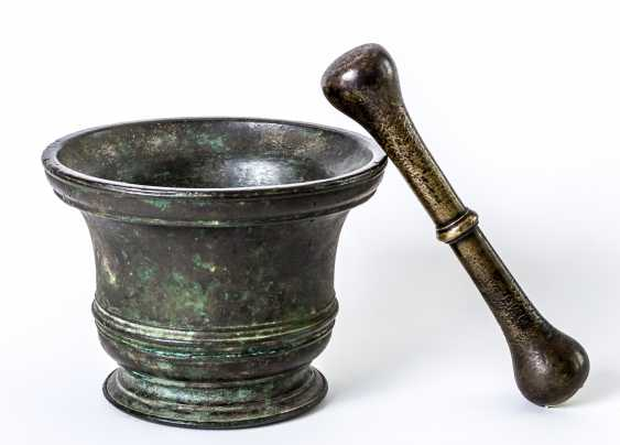 Very large Italian mortar with pestle - photo 1