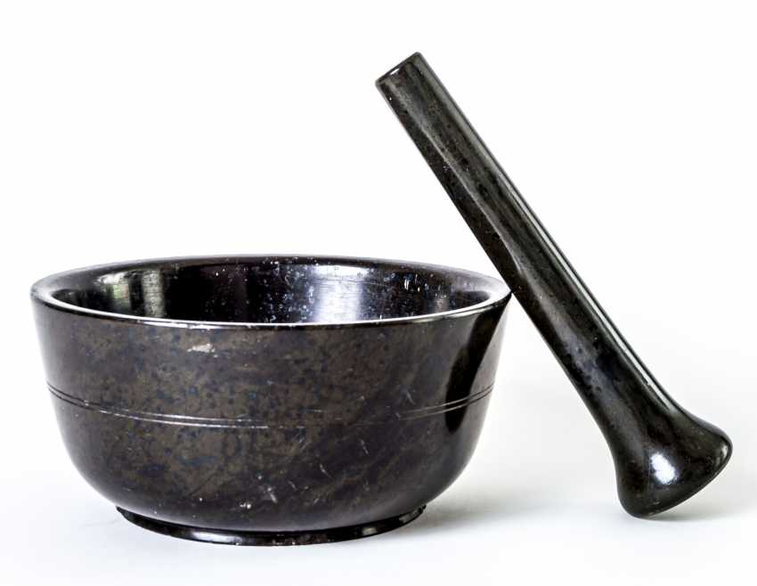 Very large serpentine mortar with pestle - photo 1