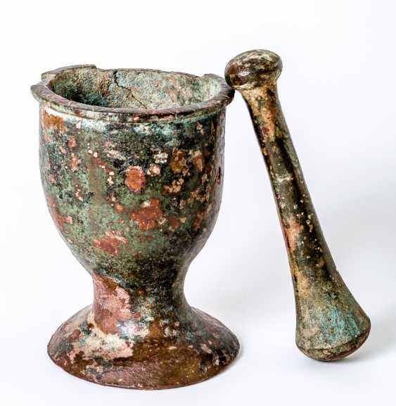 Small Asian (?) Mortar with pestle - photo 1