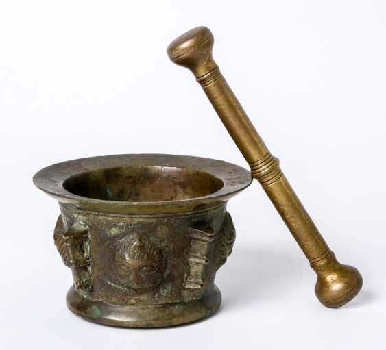 A southern French mortar with pestle - photo 1