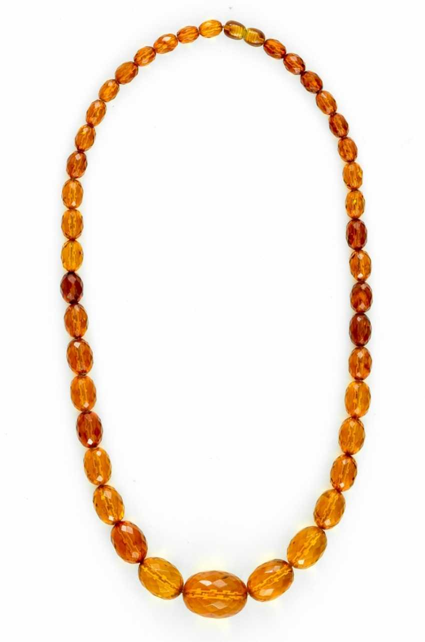 Necklace made of amber - photo 1