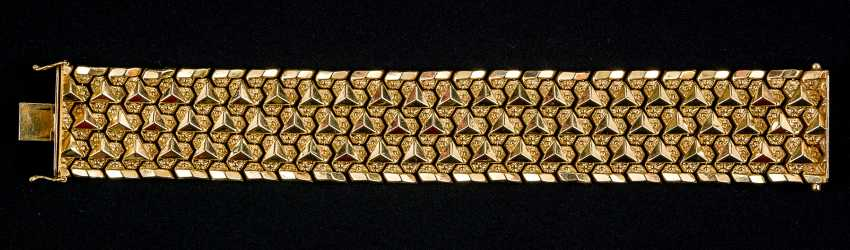 Golden bracelet with snap lock and 2 x safety eight - photo 1
