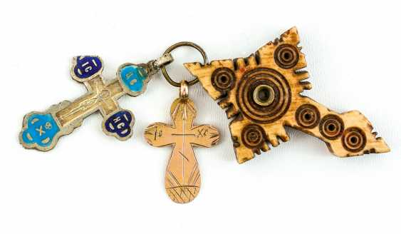 Mixed lot of 3 small Russian crosses made from bone, Gold and silver - photo 1