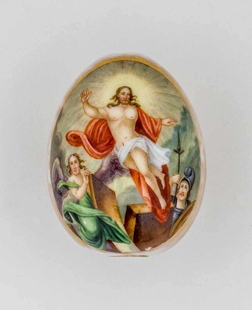 Porcelain Easter egg with the resurrection of Jesus - photo 1