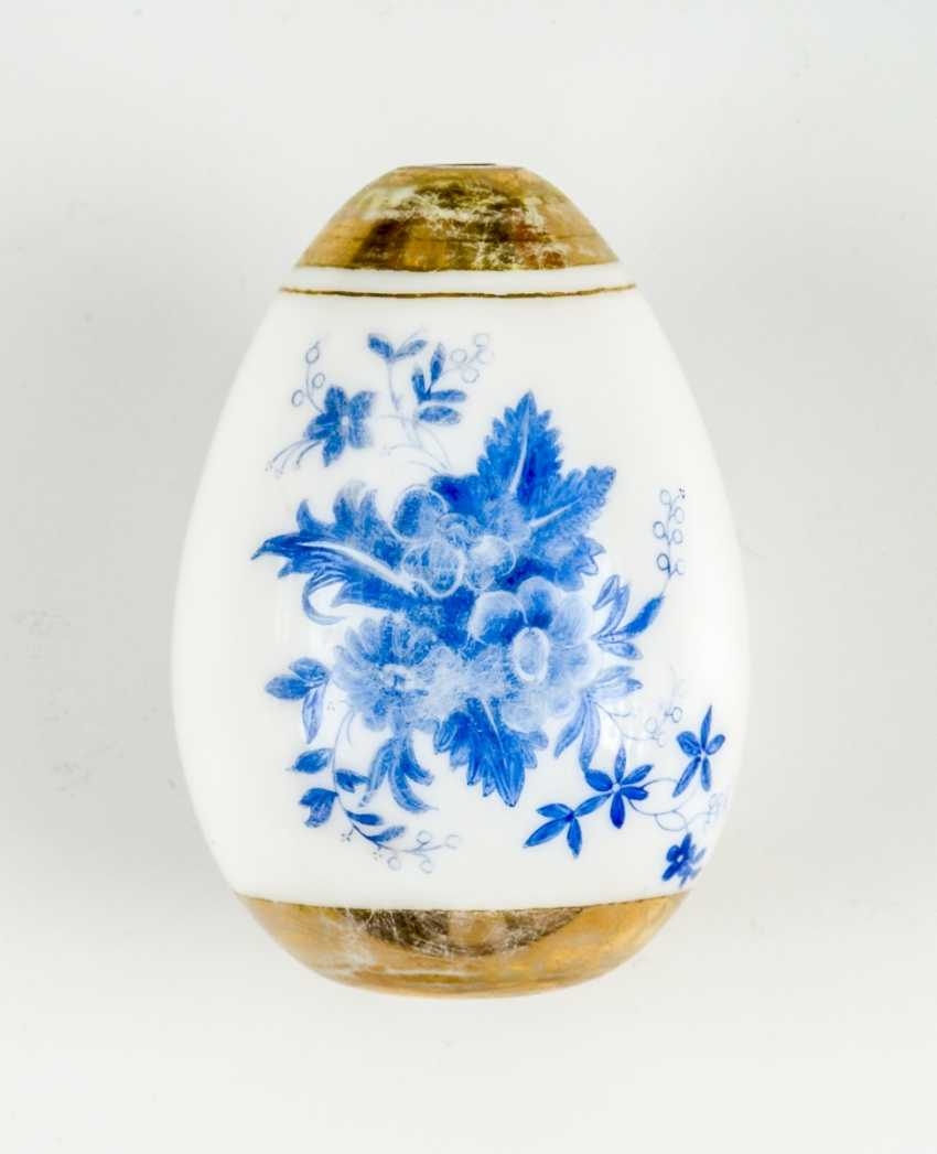 Rare and large Easter egg made of glass with blue flowers - photo 1