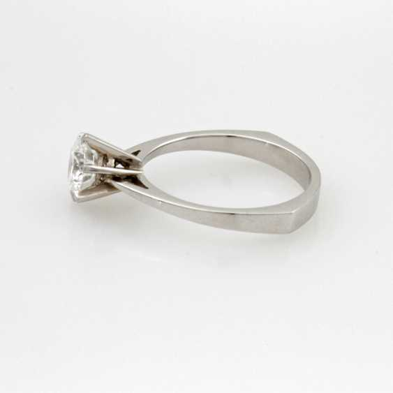 Women's Ring Solitaire White Gold 18 K. - photo 2