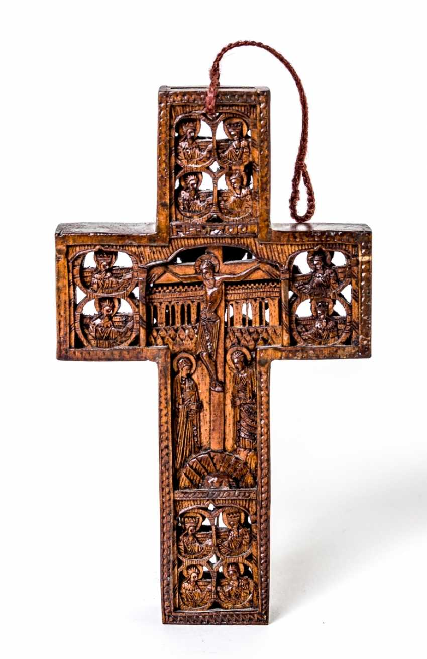 Small carved cross - photo 1