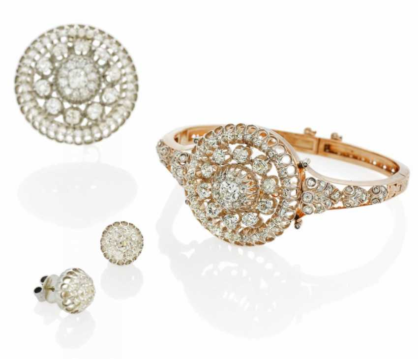 Diamond Set: Bracelet, Brooch, Earrings - photo 2