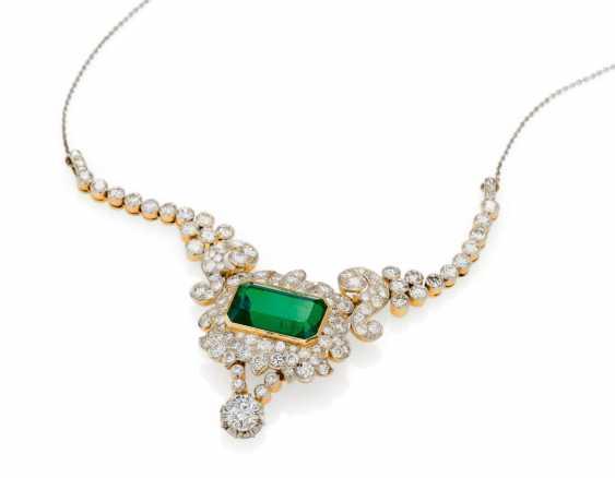 Emerald And Diamond Pendant Chain - photo 1
