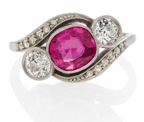 Color-Stone-Diamond-Ring - photo 1