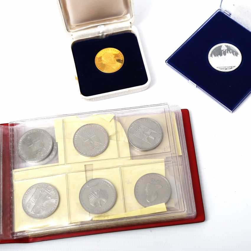 Collection of coins and medals, with GOLD and SILVER, among others, - photo 2