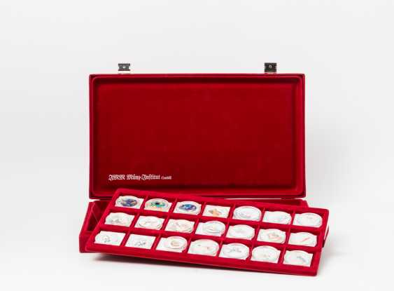 Color coins collection 42 pieces in high-quality velvet box, - photo 1