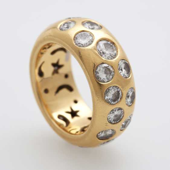 Ladies ring is completely paved with Diam.- Brilliant - photo 3