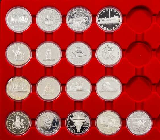 2 LINDNER Tableaus mit 17 Kanada Dollars - photo 2