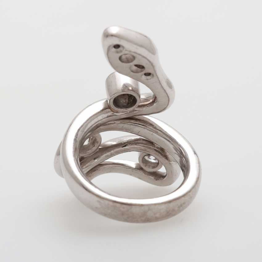 """Ladies ring """"snake"""" studded with seven Diam.- Brilliant - photo 3"""