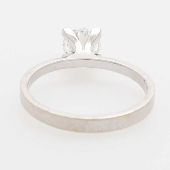 Solitaire ring with 1 brilliant; - photo 4