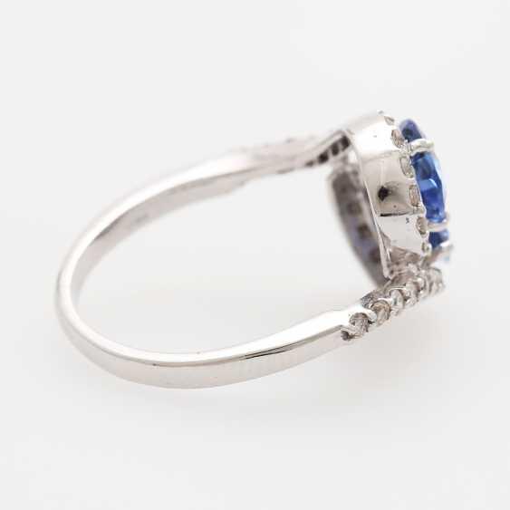 Ring bes. mit 2 fac. Saphirtropfen zusammen 2,3ct und Brillanten; - photo 2