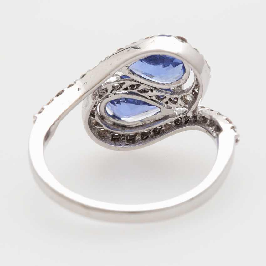 Ring bes. mit 2 fac. Saphirtropfen zusammen 2,3ct und Brillanten; - photo 4