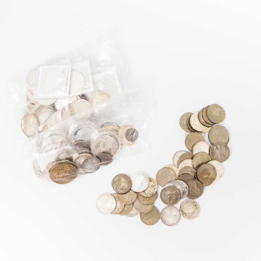 Pack including 42 x 5 DM, 66 x 10 DM Commemorative coins, - photo 1