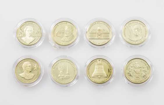 GOLD - 8 modern medals each 585/1000 alloy, - photo 1
