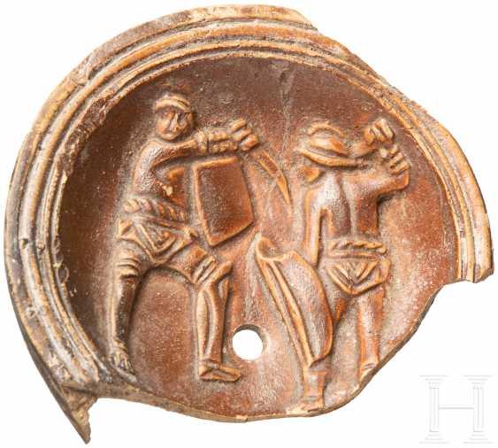 Лампады-фрагмент гладиатор с изображением, римо, 2. - 3. Века - фото 1