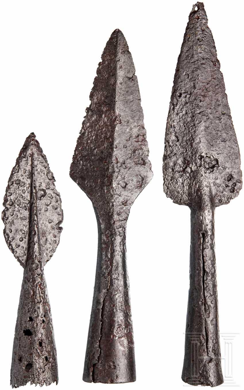 Three medieval Pikenspitzen, 15. - 17. Century - photo 2