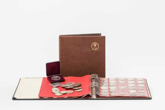 2 coin albums, and bags with silver BRD - photo 1