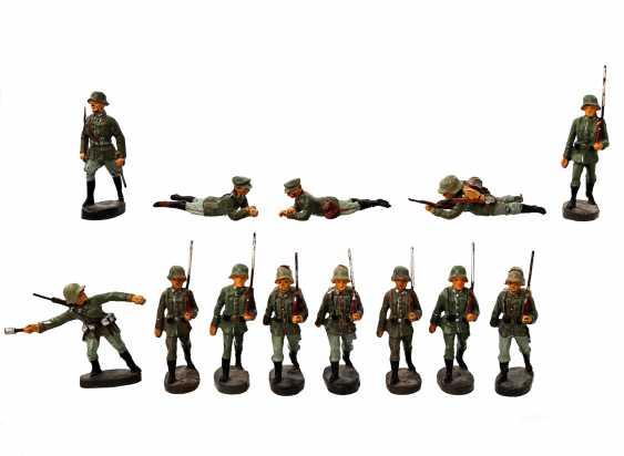 ELASTOLIN thirteen soldiers, German Empire, - photo 1