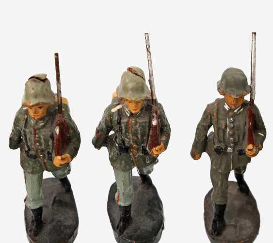 ELASTOLIN thirteen soldiers, German Empire, - photo 2