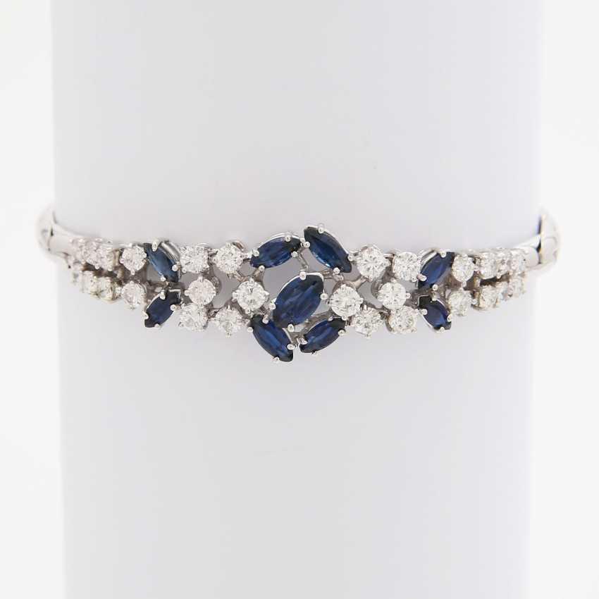 Bracelet bes. 9-fac. Sapphires and 28 brilliant-cut diamonds; - photo 1