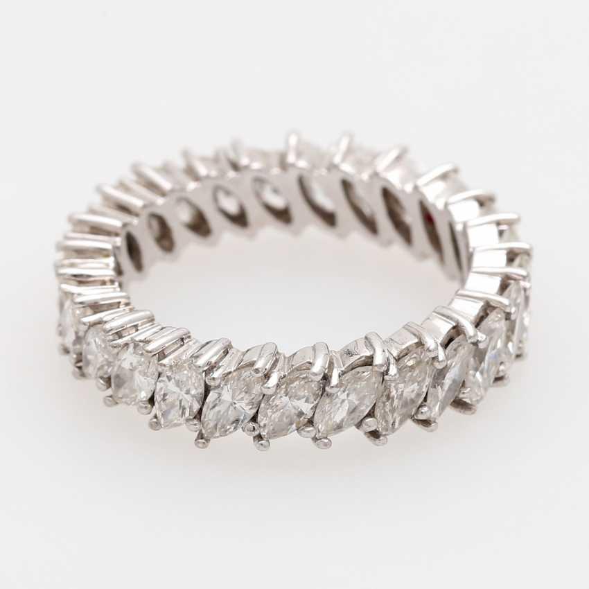Memoire- Ring rundum mit 25 Diamant- Navettes, - photo 1