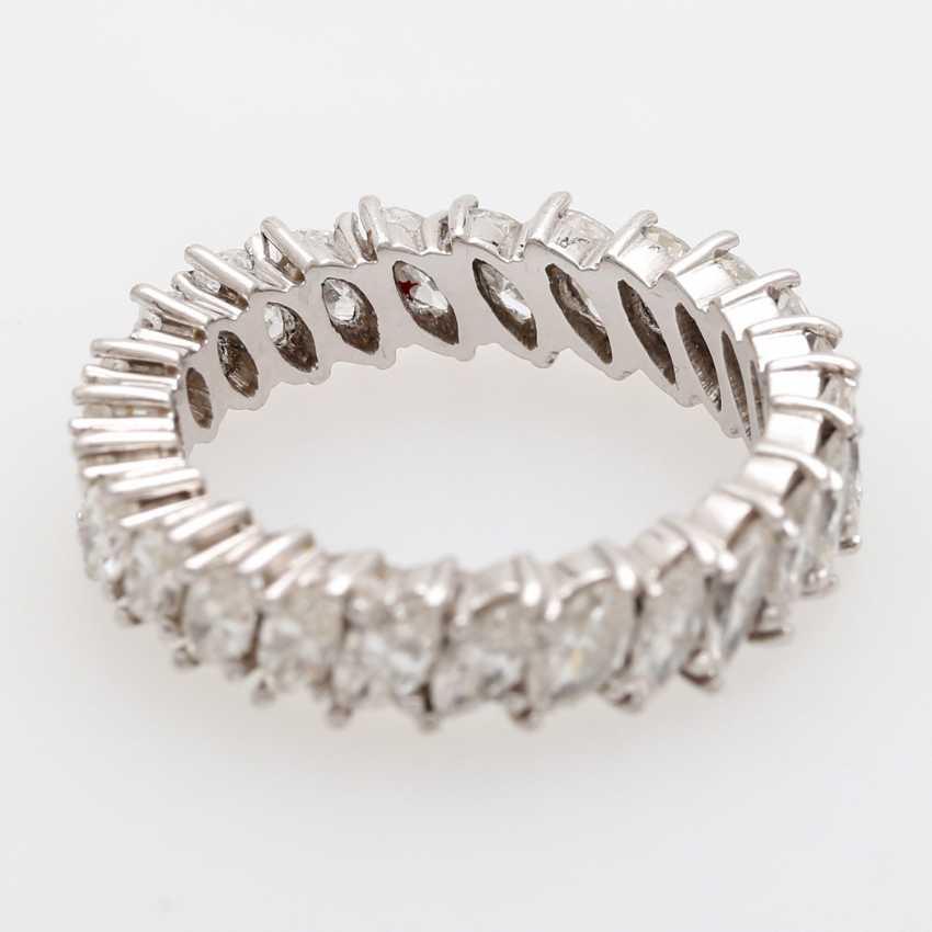 Memoire- Ring rundum mit 25 Diamant- Navettes, - photo 2