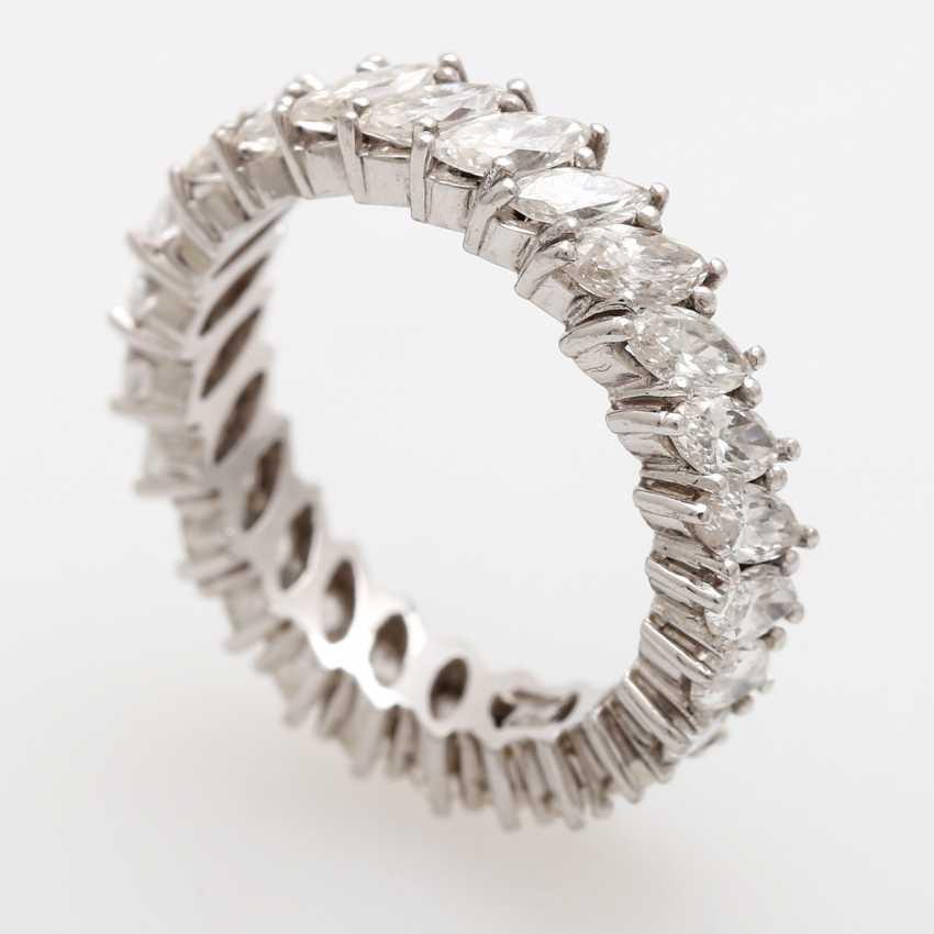 Memoire- Ring rundum mit 25 Diamant- Navettes, - photo 3
