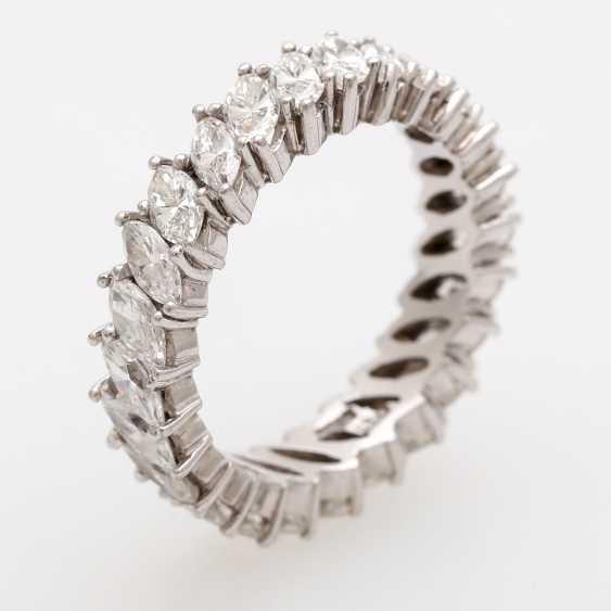 Memoire- Ring rundum mit 25 Diamant- Navettes, - photo 4