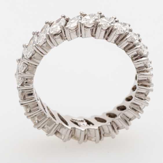 Memoire- Ring rundum mit 25 Diamant- Navettes, - photo 5