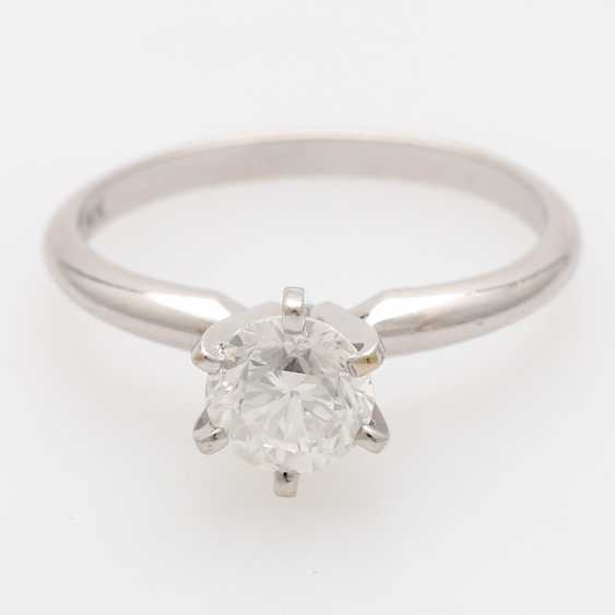 Solitaire ring m. 1 brilliant tenant of approximately 0.8 ct - photo 1