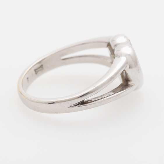 "CHOPARD Ring ""Happy Diamonds"" with 3 movable brilliant-cut diamonds; - photo 3"