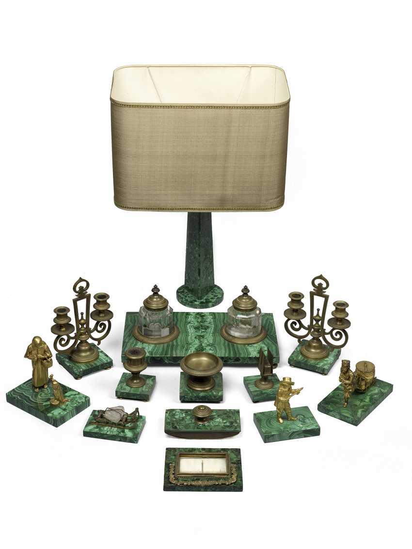 Коллекция восемнадцать Малахит предметы полированный - фото 1