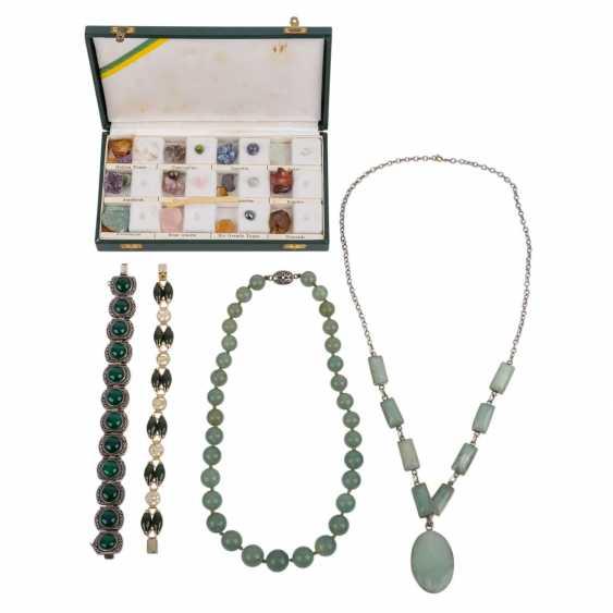 4-piece jewelry collection. CHINA, 20. Century. - photo 1