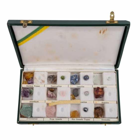 4-piece jewelry collection. CHINA, 20. Century. - photo 2