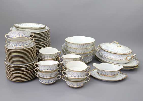 LIMOGES GDA dinner service for 12-24 persons 'Anjou', 20. Century - photo 1